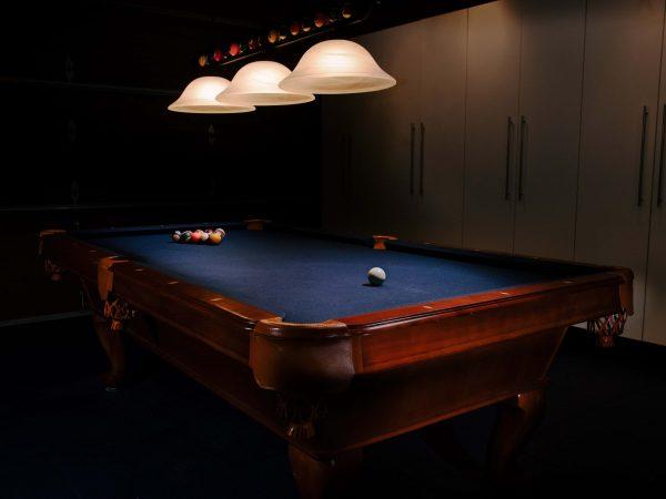 Billiard Tisch