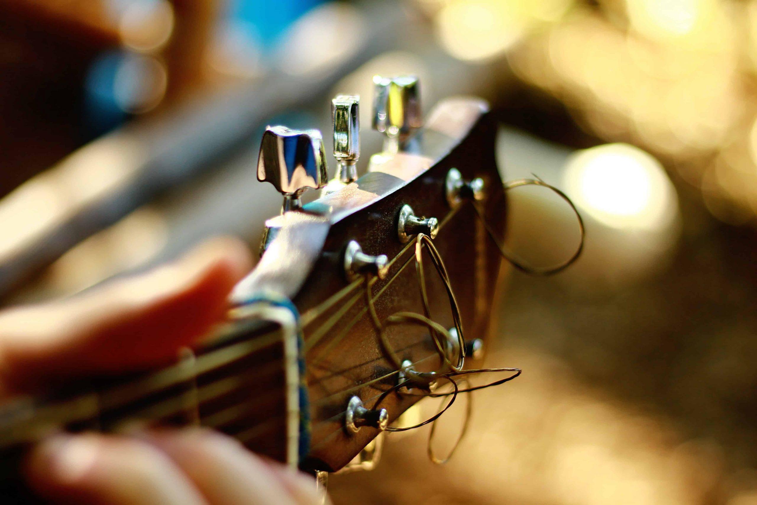 Gitarrenstimmgerät: Test & Empfehlungen (08/20)