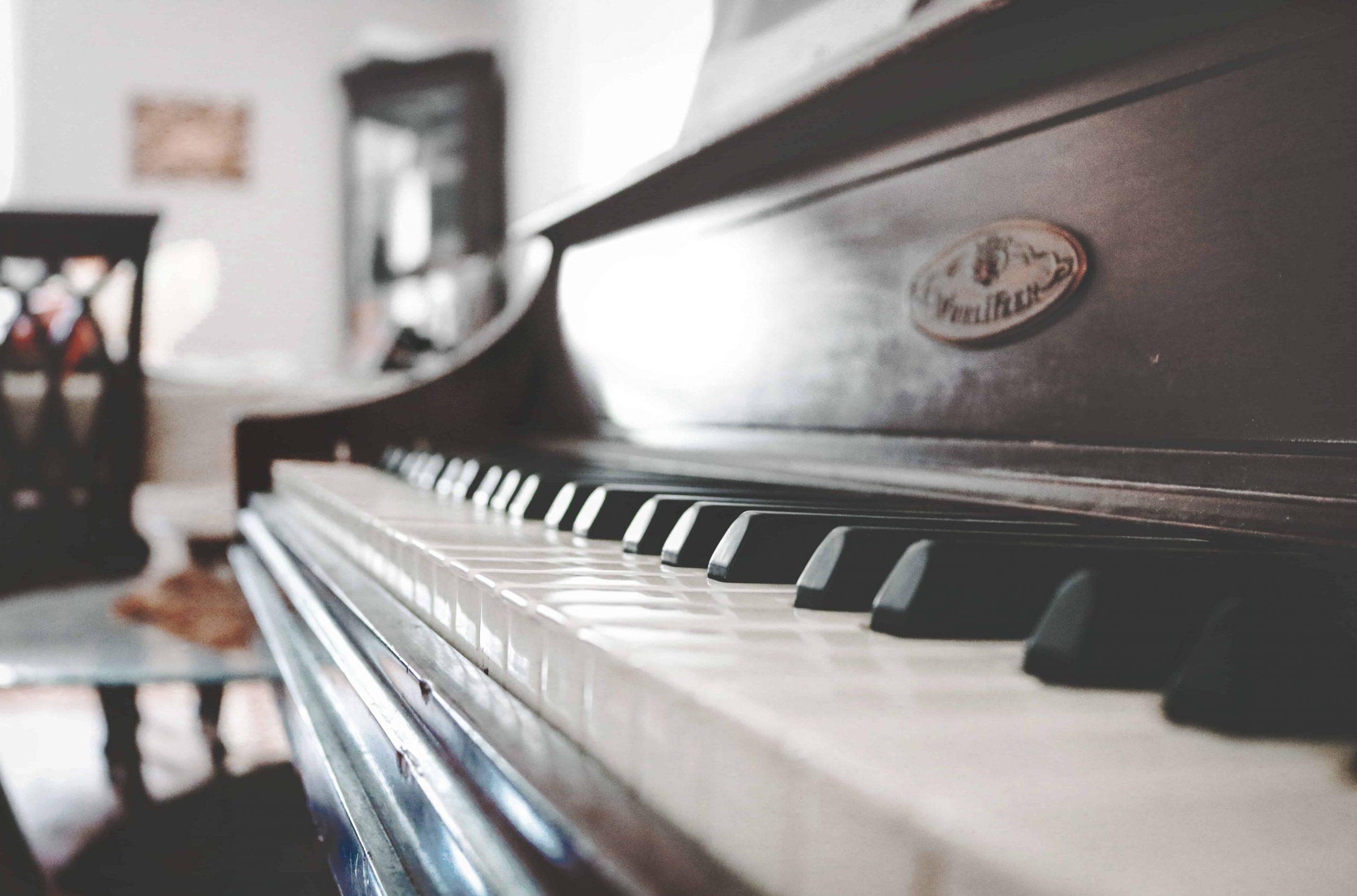 Klavierhocker: Test & Empfehlungen (10/20)