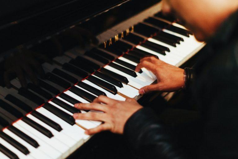Yamaha Keyboard-1