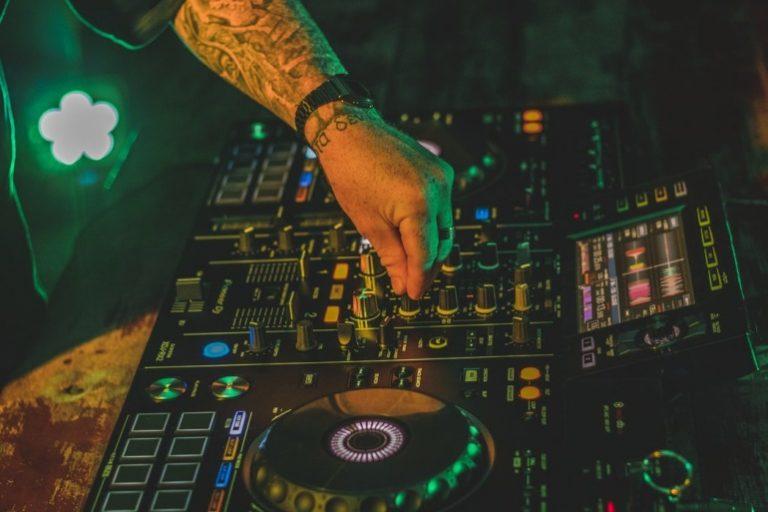 DJ Mischpult-3